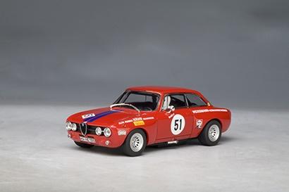 AutoArt Alfa Romeo Guilia 1750 GTAm Hähn DRM 1971 Ertl #51