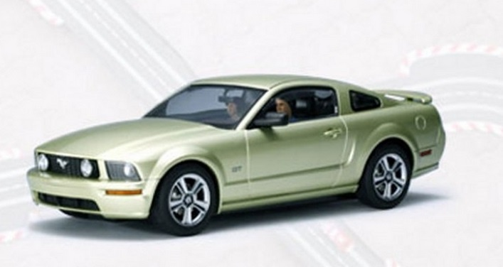 AutoArt 1:24 Ford Mustang GT 2005 (LEGEND LIME)